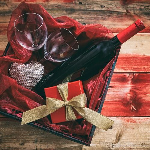 valentines-day-red-wine-bottle-gift